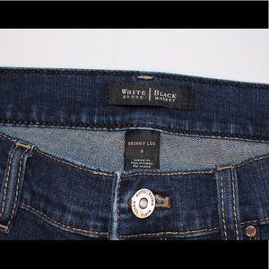 White House Black Market Skinny Leg Jeans Small
